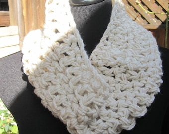 Crochet Cowl - Cream
