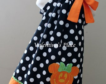 Minnie Mouse in Halloween pumpkin pillowcase dress