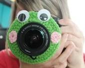 Crochet Camera Lens Buddy- Frog