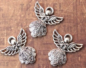 8 Angel Charms Angel Pendants Antiqued Silver Tone 23 x 23 mm
