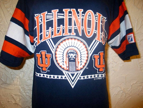 Vintage 90s UNIVERSITY OF ILLINOIS Football Jersey Logo 7 50/50 T Shirt Sz M