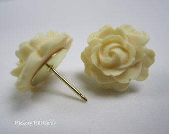Cream rose studs, rose stud earrings, ivory flower studs, Large flower stud earrings, ivory rose studs, 15mm resin flower earrings, GOLD pl.