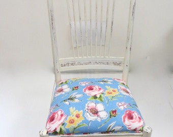 Vintage Shabby Chic Nursing Rocking Chair