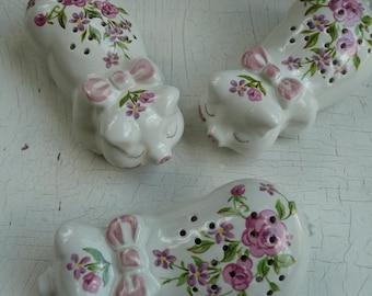 3 Vintage 1978 Avon Potpourri Sleeping Pig Figurine Flowers Ceramarte Brazil