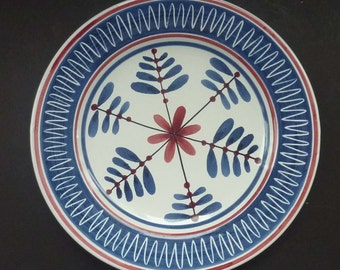 Attractive Vintage 1950s / 60s NORWEGIAN Hand Made Plate. Possibly by Elle Pottery