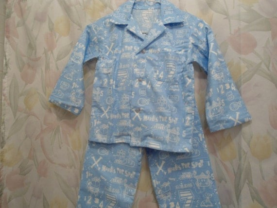 Janie And Jack Boys pajamas Size 7 GUC. See photos for condition reference. Condition is Pre-owned. Very soft.