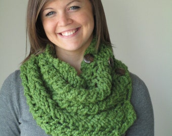 Green Chunky Cowl Scarf