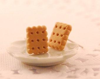 biscuit stud earrings - food jewelry