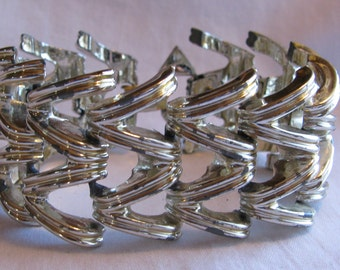 "Retro Chunky Silver Swirl Link Bracelet, Over 1"" Wide"