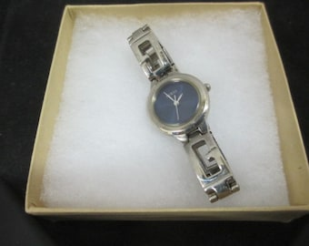 Vintage Guess Watch - Runs Great - G Link Bracelet con