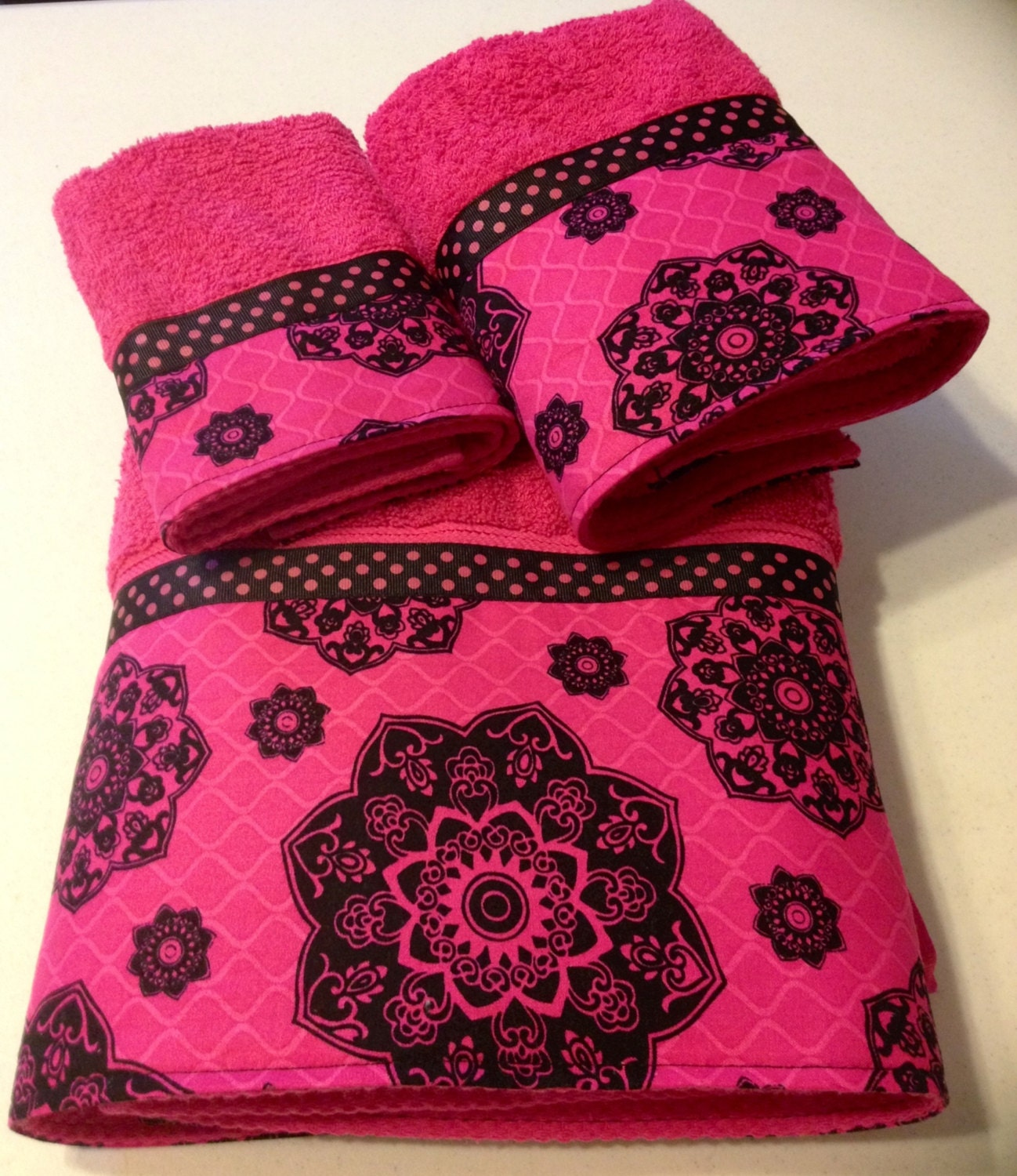 Fuschia Black Bath Towel Set Sale By Ladydiblankets On Etsy