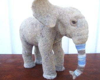 Needle felted elephant ,animal sculpture, elephant art,made to order,safari miniature ,handmade