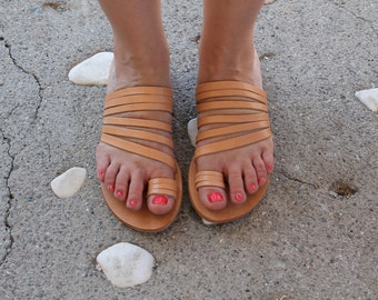 Natural brown leather Greek sandals. Handmaided by Mano et mente