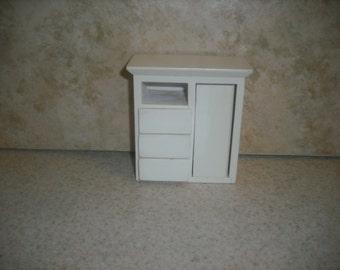 1:12 scale Dollhouse Miniature Wardrobe (White)