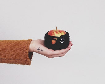 Crochet Apple Cozy - Black
