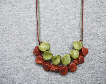 Chunky polymer clay stone necklace Hippie necklace Boho necklace Green necklace Golden-Ochre necklace Rustic Adjustable necklace Metal free
