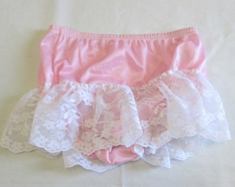 Vintage girls pink and lace ruffle bloomers