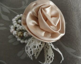 Shabby Chic Bracelet 3 strand Flower Pearls nr1
