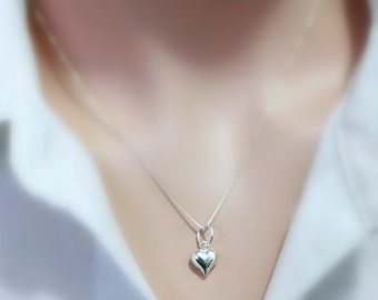 Sterling Silver Tiny Heart Necklace, Tiny Heart Necklace, Gift for Her, Gift for Wife, Gift for Mom, Girlfriend Gift, Choker Necklace