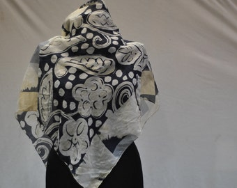 Vintage SILK scarf abstract flower pattern .....(836)
