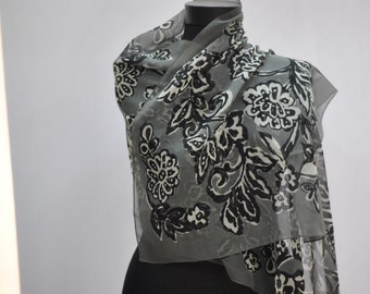 Vintage LONG SCARF with flower pattern .....