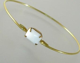 White Bracelet, White Glass Gold Bangle Bracelet, Gold Bracelet, White Bangle, White Jewelry, White Glass (G125G.)
