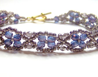 Violet lustre bracelet, purple lustre, purple bracelet, violet bracelet, beadwork bracelet, beadwoven bracelet, criss cross bracelet