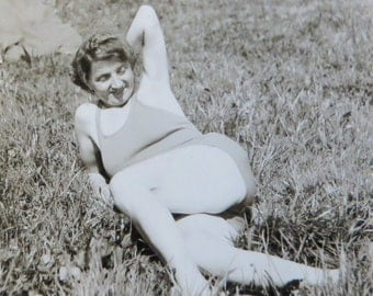 Odd 1930's Grandma Shows Off Her Cheesecake For The Camera Snapshot Photo - Free Shipping