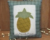 Primitive Appliqued Pineapple Pillow