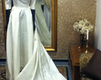 1950's Ivory, Taffeta & Lace Vintage Bridal Gown with detachable Train