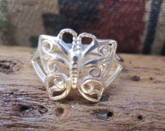 Pretty Sterling Butterfly Ring Size 8.25