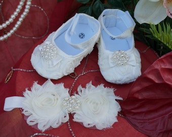 Ivory baby shoes, Baby Girl Ivory Satin Rosette Crib Shoes ,Baby Shoes and headband,Christening shoes, Baptism shoes