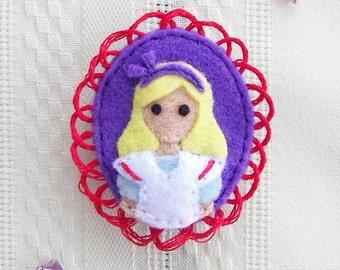 Alice in Wonderland Character Felt Brooch