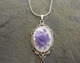 "Stunning Purple Rose Cameo Pendant Necklace---.925 plated 22"" Chain--- Great Quality"
