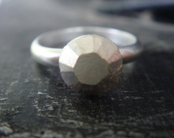 Round Diamond Faceted Silver Ring