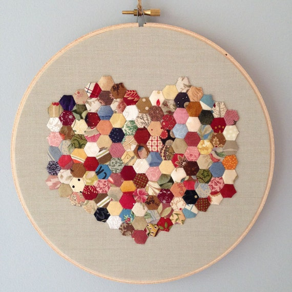 Medium Confetti Heart Issue 01 - English Paper Piecing Hoop Art