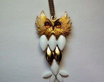 Gold & White Metal Articulated Owl Pendant - 3089