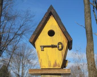 Mustard Birdhouse with Key Perch