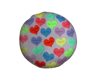 Pink heart round dog bed. Dogzzzz tired of the same old plaids and stripes brings the rugged outdoors in makes it fun.Free shipping!