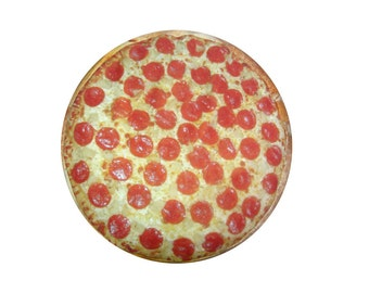 Pizza round dog bed. Dogzzzz tired of the same old plaids and stripes brings the rugged outdoors in makes it fun.Free shipping!