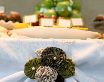 olive green + taupe tablecloth clip
