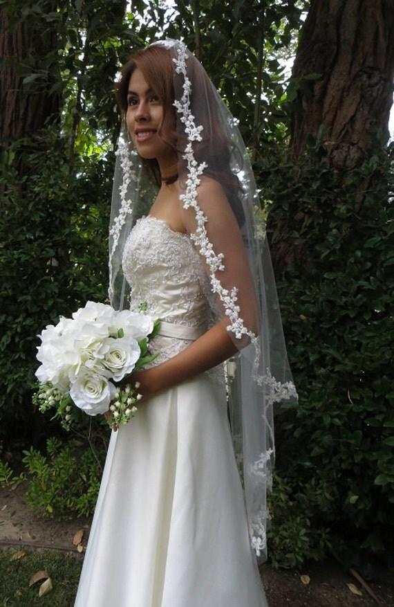 Mantilla Veil- Floral border, Silvery leaves, Diamond White, Vine border, Handmade -  ELISA Mantilla