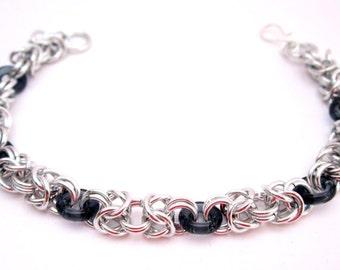 Acqua: Byzantine weave bracelet and glass elements.
