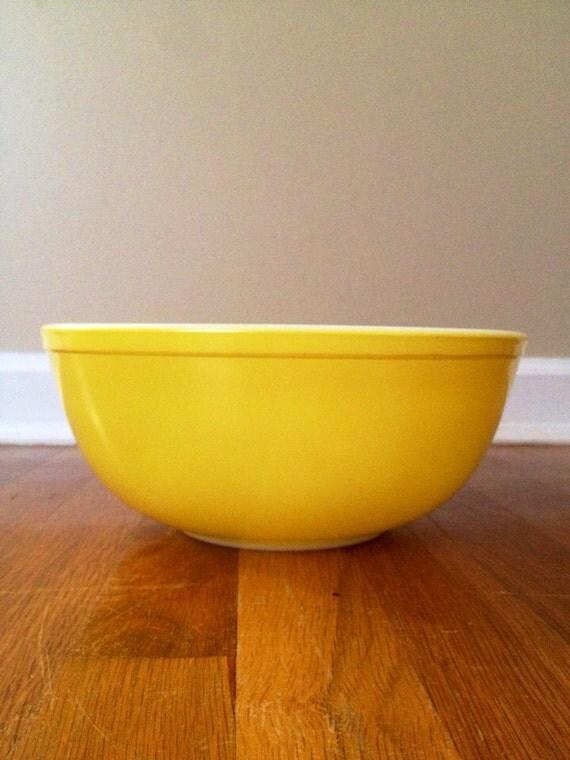 Vintage Pyrex Yellow Nesting Bowl