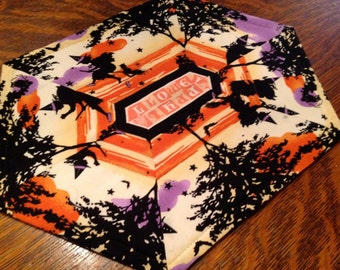 Reversible Silhouette Halloween Table Topper