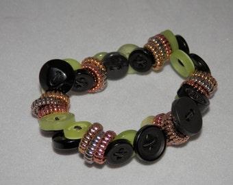 Green Glimmer Stretch Button Bracelet