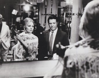 """Vintage Original photograph Faye Dunaway & Marcello Mastroianni - """"A Place for Lovers"""" - c. 1968 - Movies"""