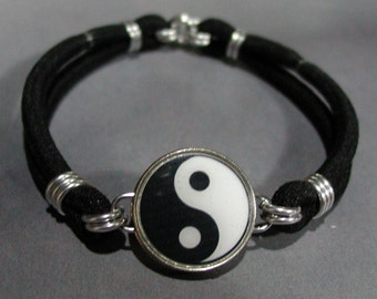 YIN & YANG Symbol Tao Balance Dime Stretch Bracelet - One size fits most - Made In USA