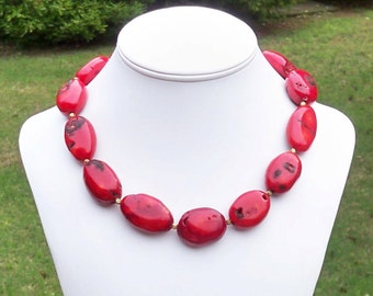 Keara - GORGEOUS Chunky 35mm Red Coral Gemstone Beaded Necklace - Perfect for Summer