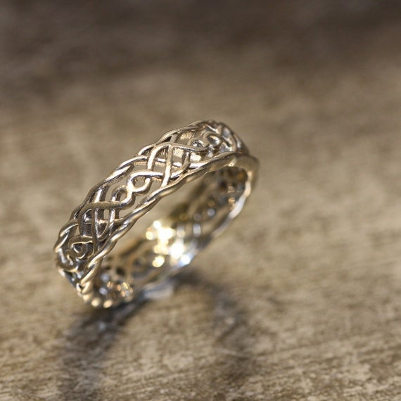 Items Similar To 14k White Gold Celtic Wedding Band Unique Wedding Ring For Him Or Her Infinity